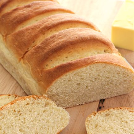 Easy Homemade French Bread----by Six Sisters