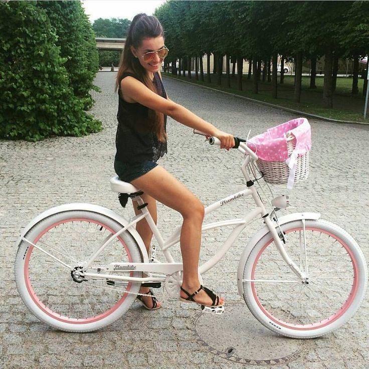 Bicicleta para mujer Pearl Bicicleta disponible en nuestra tienda #favoritebike #bicicleta #sunnyday #beachcruiser #longhair #longlegs #sunglasses #outfit #spring #fitgirl #health #paseo #bicicletaurbana #mibici #bicycle #ciclismourbano repost @brukselka #plumbike #primavera #buenosdias #pretty #fashion #beautiful #picoftheday #instapeople #hello #photooftheday #travel