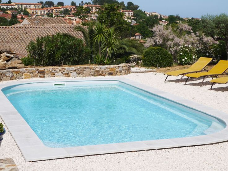 Les 25 meilleures id es de la cat gorie piscine coque sur for Dimension piscine