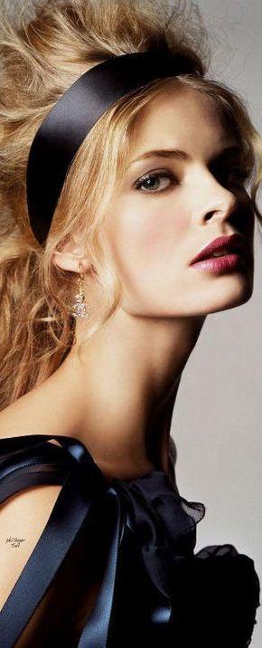 ℳiss Bardot's Big Bouffant ♛   Poppy Pea