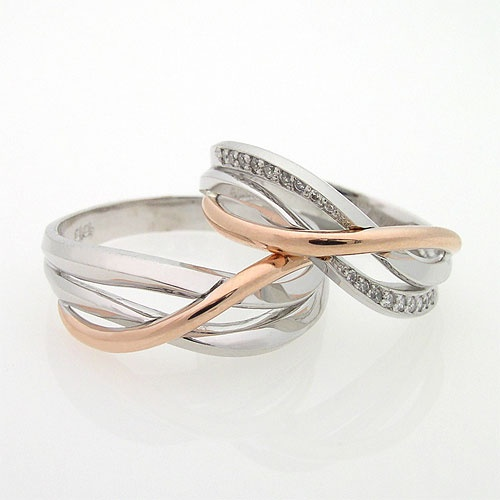 I've been trying SO HARD to find a legit three-band ring. THIS IS IT! Yay.
