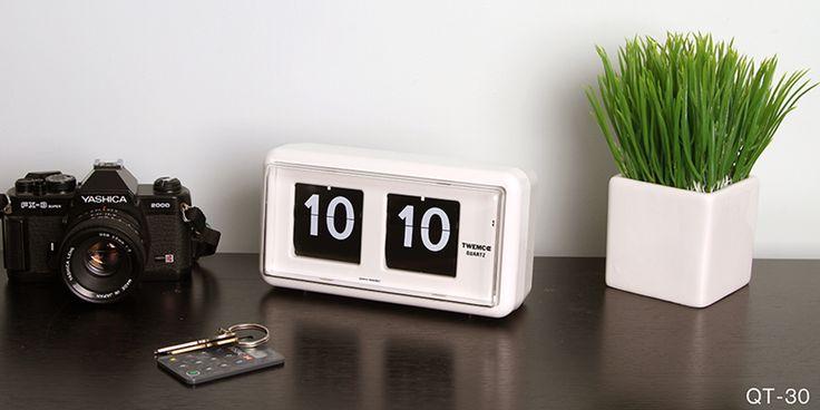 QT-30 Flip Clock