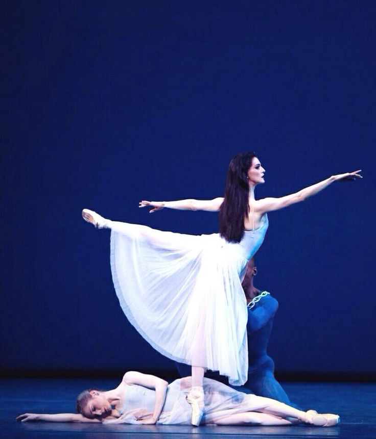Olivia Grace Cowley, Soloist, Royal Ballet, in George Balanchine's Serenade