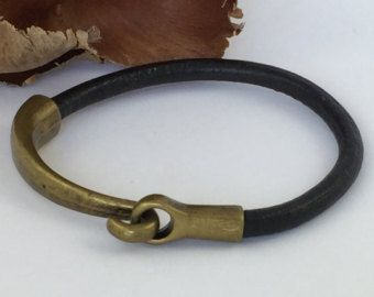 Pulsera de cuero negro cierre de gancho de por urbantribejewelry