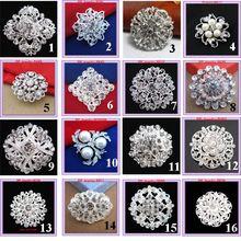 Venta al por menor! venta caliente pequeña flor cristales Diamante broche barato de calidad superior ramo de novia broches mujeres de cuello(China (Mainland))