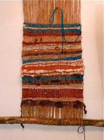 DIY Tutorial: DIY Weaving / DIY Make a Simple Weaving Loom - Bead