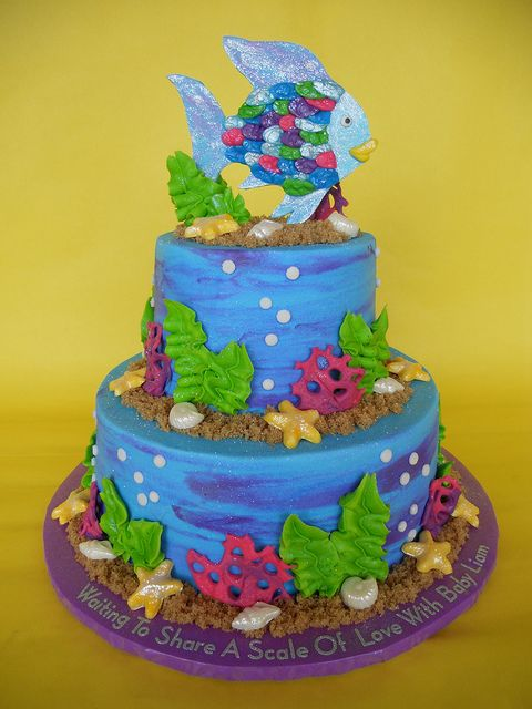 "Im in LOVE with this ""Rainbow Fish"" cake! I don't think I could make this..but I know Dena Kyle could for me! :)"