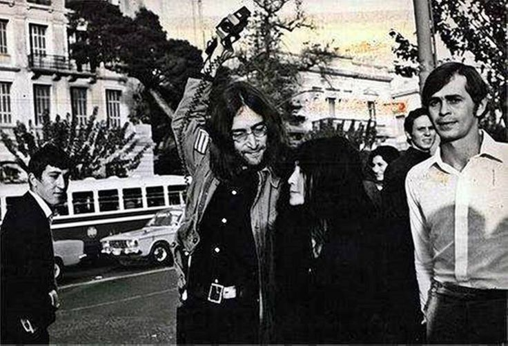 Αθήνα, Νοέμβριος 1969. Τζών Λένον - Γιόκο Όνο - Magic Alex (Ιωάννης Αλέξης Μάρδας