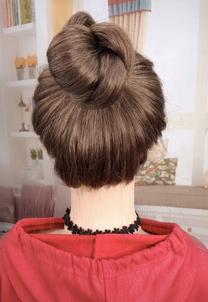 Cute Hairbun Tutorial Easy Hairstyles 2020 In 2020 Easy Bun Hairstyles Easy Hairstyles Easy Hairstyle Video