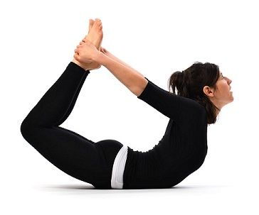 bow pose  easy yoga poses yoga asanas yoga for pcos
