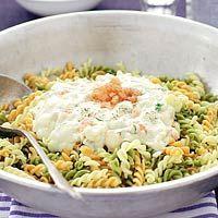 Recept - Pasta met vissaus - Allerhande