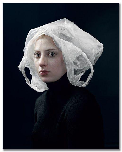 Bag, 2009 © Hendrik Kerstens | Hendrik Kerstenses un fotógrafo holandés…