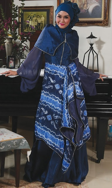 Abaya Sasirangan Biru - Termasuk inner,jilbab segi empat dan pashmina. Dzakirah boutique - $195.00