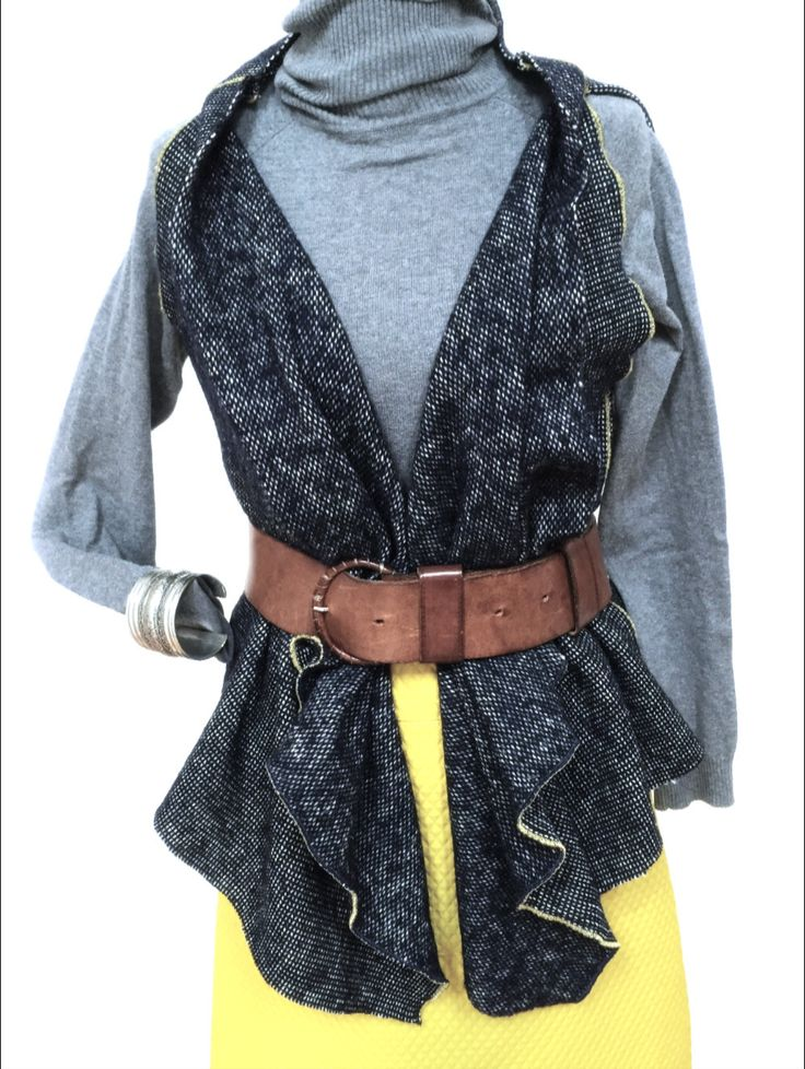 A versatile vest made in wool di Fedracollection su Etsy
