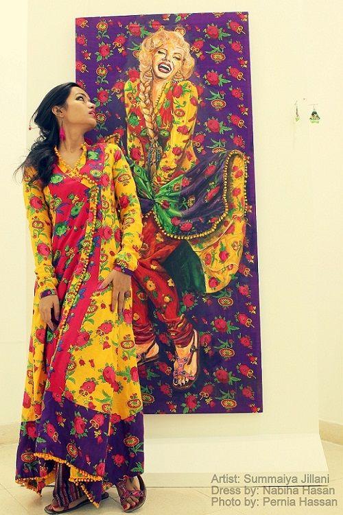 A 24-year-old Karachi-based artist, Summaiya Jillani took a little over two weeks to paint her version of the iconic, beautiful, Marilyn Monroe. Posing in front of the master piece (Baar baar dekho - hazaar baar dekho) is the artist herself:)