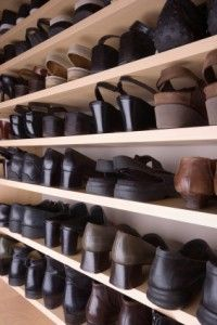 Ways to Organize LOTS of Shoes- I NEED TO DO THIS