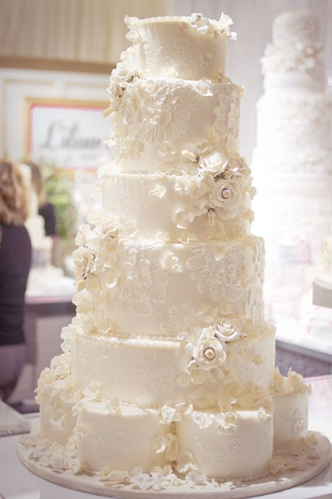 this is gorgeous!  - wedding cake inspiration