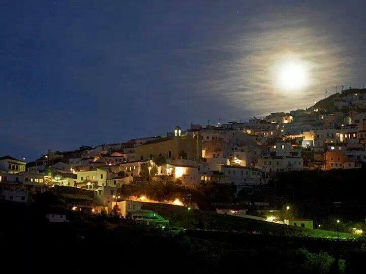 Enjoy the nearest full moon of the summer!! Kea, Cyclades