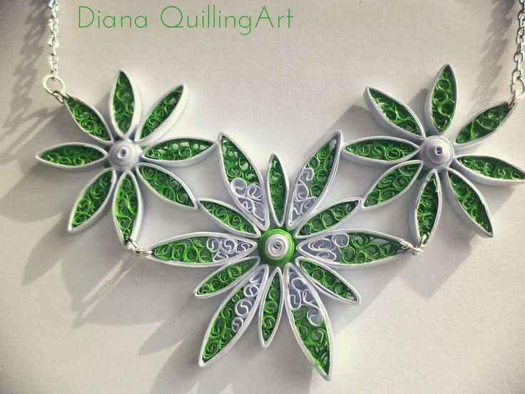 A new necklace   Un nou colier         Facebook: https://www.facebook.com/pages/Diana-Quilling-Art/210442952462072   Quilling Cafe: http:...