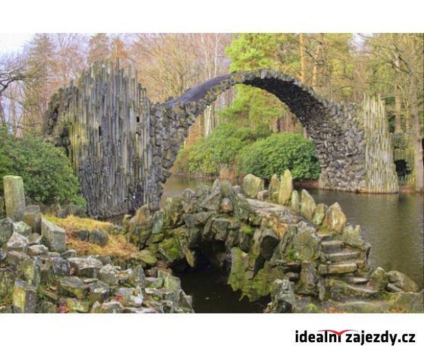 Romantický Spreewald, hrad Oybin, skalní město Jonsdorf, park Muskau i města Lužických Srbů