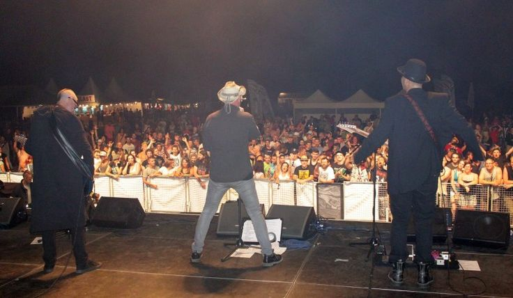 Cibula Fest 2015 odpálili Konflikt, Zóna AaKarpina. Rytmus pošle náhradu. http://bombing.eu/cibula-fest-2015-odpalili-konflikt-zona-a-a-karpina-rytmus-posle-nahradu/