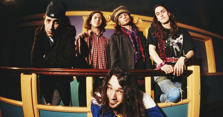Pearl Jam's 'Vitalogy': How Band Nearly Came Apart Making Volatile Third LP #headphones #music #headphones