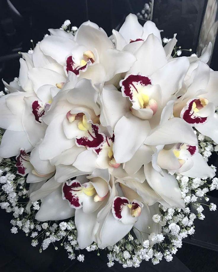 Handbanquet anggrek putih