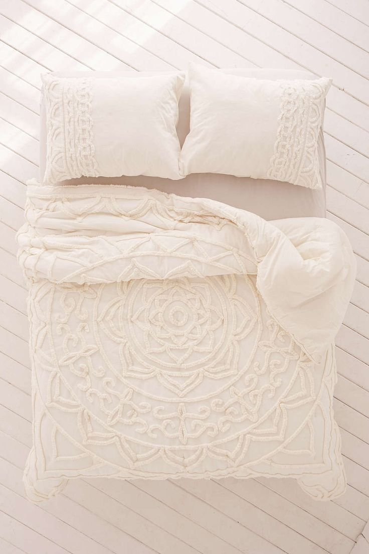 White bed sheets texture - Best 25 White Comforter Bedroom Ideas On Pinterest Comfy Bed Cozy Bedroom And Fur Throw