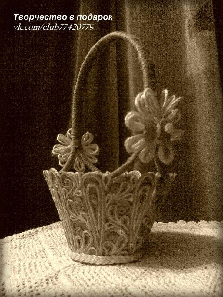Корзиночка для конфет из джута.