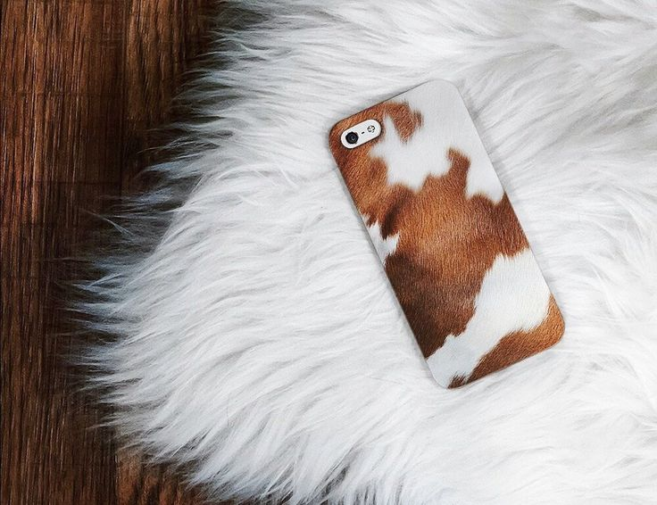 What makes this Cowhide Texture Phone Case by Madotta a unique one is its superb design. The print has been provided all around the case using the benefits of 3D printing.