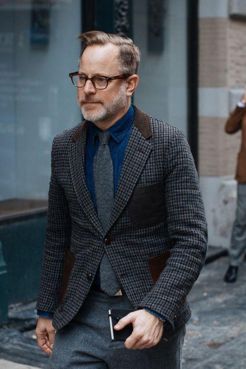 ツイードのスーツスタイル。