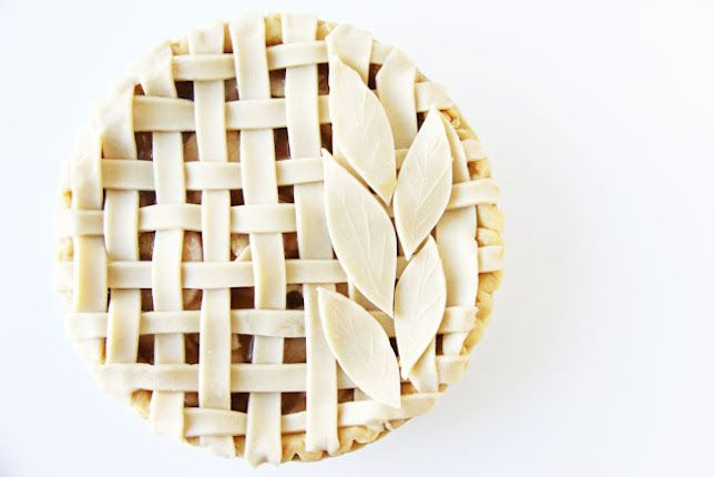 Make this lattice and leaf pie for spring.