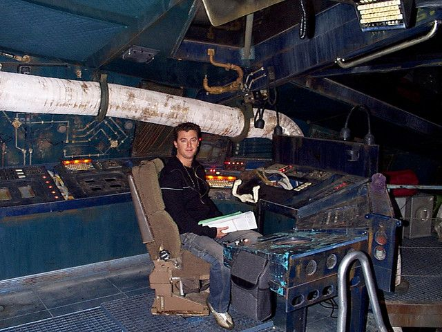 carnival cruise ship diagram 100 series landcruiser wiring serenity cockpit ~ captain's chair large tube duct suspended horizontally overhead | starship ...