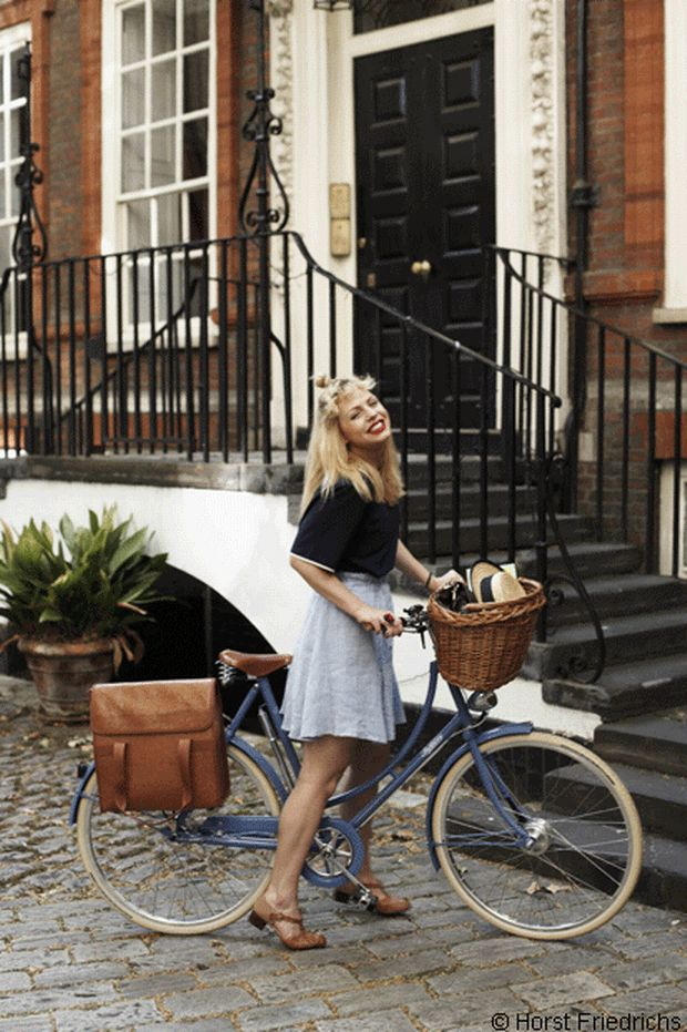 Gorgeous!! Nicola rides a Pastel Blue Pashley Poppy © Horst Friedrichs