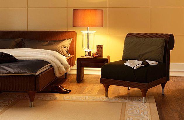 Fåtölj , säng & sängbord i LOOM Handgjorda möbler från Accente http://www.vallaste.se/sv/88-loom-s%C3%A4ngar