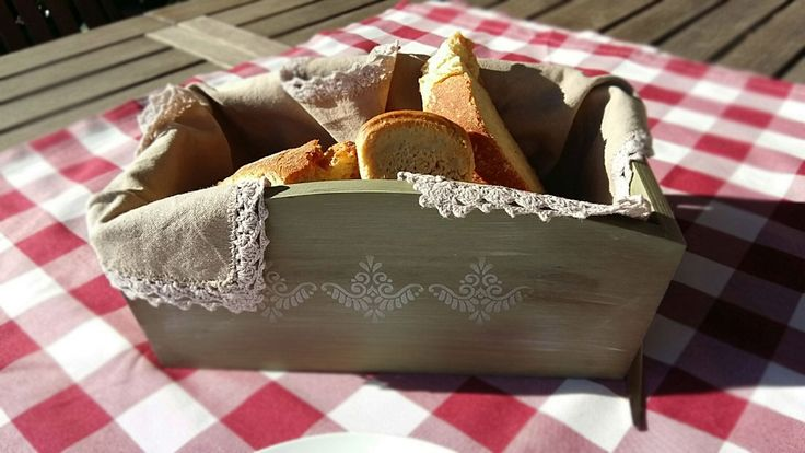 #giftbox for a special people! After all, a special breadbaskets for a lovely dinner