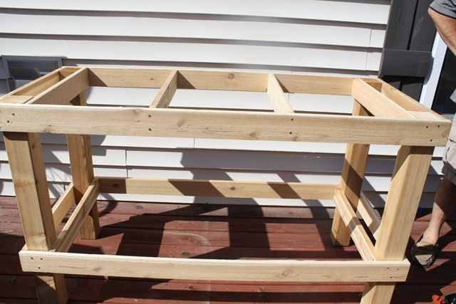 Potting bench DIY frame. Reminds me of my studio work tables.