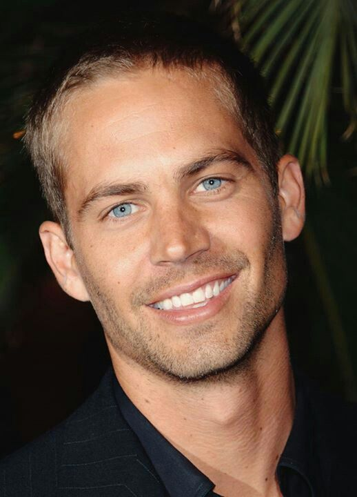 What a sad story  The world lost one gorgeous smile today. RiP Paul Walker