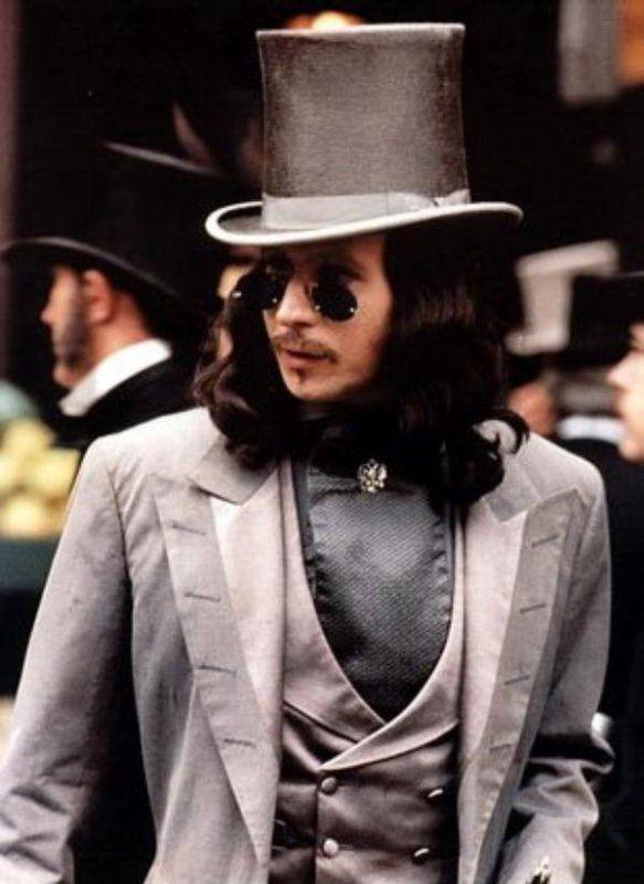 /\ /\ . Gary Oldman, Bram Stoker's Dracula 1992