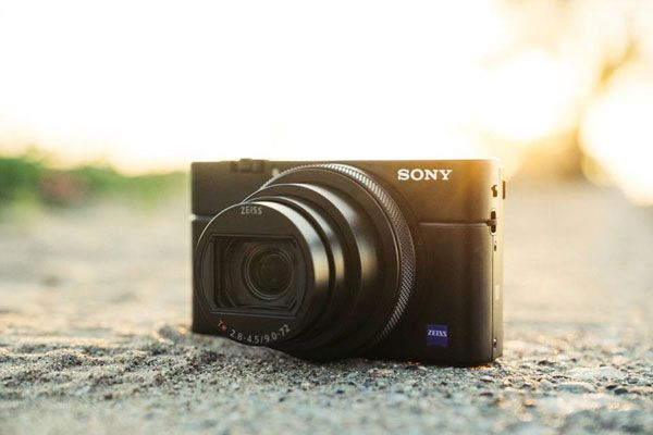 Sony Rx100 Vi Pocket Size Travel Zoom Camera World S Fastest Af Zeiss Vario Sonnar T 24 200mm F2 8 4 5 Lens 1 Inch 20 1mp Sensor Optical Image Stabilizat Camera Compact Camera Sony