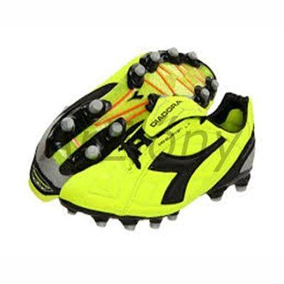 Diadora DD-Eleven LT MG14 Futballcipő neonsárga-fekete-szürke színkombinációban, marhabőrből készül, igen magabiztos gumis futballcipő. A talprészen elhelyezkedő, rugós technológiának köszönhetően a talprész minden esetben visszaáll az eredeti formába. - See more at: http://elony.emelkedes.hu/termek/diadora-dd-eleven-lt-mg14-futballcipo/#sthash.fHDh9IRq.dpuf