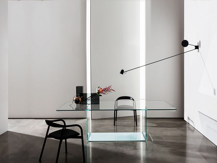 VALENCIA designed by Lievore Altherr MolinaThanks to its transparent and aerial architecture the Valencia dining table creates original visual effects through the combination of the glass base and the top available in different materials and finishes.#Sovetitalia #glassdesign #MadeInItaly #interior #minimalism #design #inspiration #home #decor #architecture #archilovers #designlovers