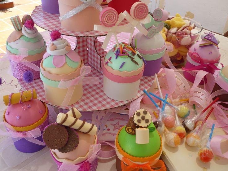 cupcakes brindes para festas e dias especiais em musgami (EVA)