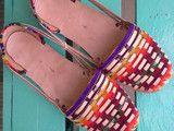 Exclusivas coloridas sandalias de piel y tejido mexicano, fabricadas con  mucho amor a mano por artesanos mexicanos.