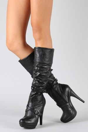 I don't usually like a lot of straps on boots, but I like these.