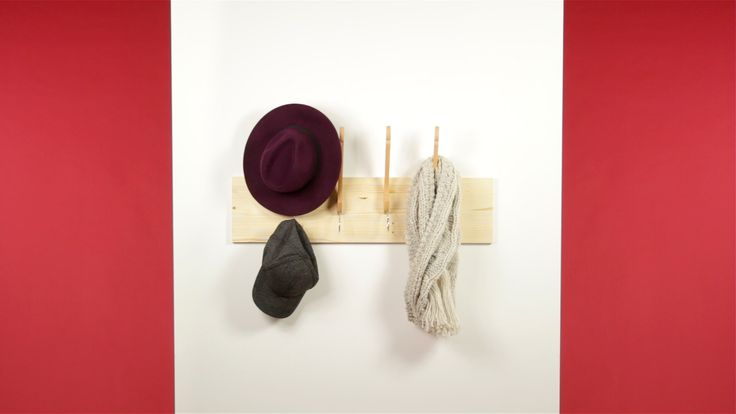 DIY: convertir unas perchas en un perchero - http://decoracion2.com/diy-convertir-unas-perchas-en-un-perchero/58245/ #Diy, #Perchas, #Perchero #Postpatrocinado