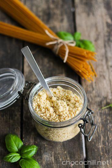 Pähkinäparmesaani. Vegaaninen parmesaani on älyttömän helppo tehdä.Täydellistä seuraa pastalle!