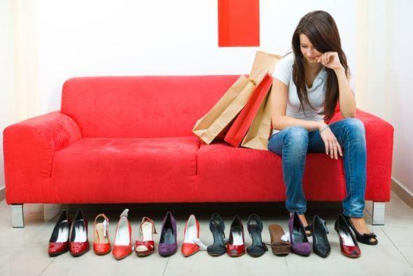 LOS ZAPATOS. CONSEJOS PARA SABER ELEGIRLOS. Los zapatos son un accesorio importantísimo dentro de nuestro guardarropa. A casi todas las mujeres nos encantan los zapatos pero no somos conscientes del inmenso poder que estos tienen en relación a nuestra imagen. En mi artículo para @Soy Saludable te comparto tips y consejos útiles y hablo sobre el poder que un par de zapatos, bien elegidos, tiene a la hora de convertirnos en nuestra mejor versión ya que son una gran herramienta a la hora de…