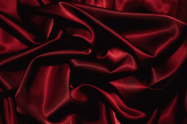 Красная ткань