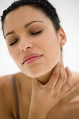 How to stop throat swelling. Perfect for the season.